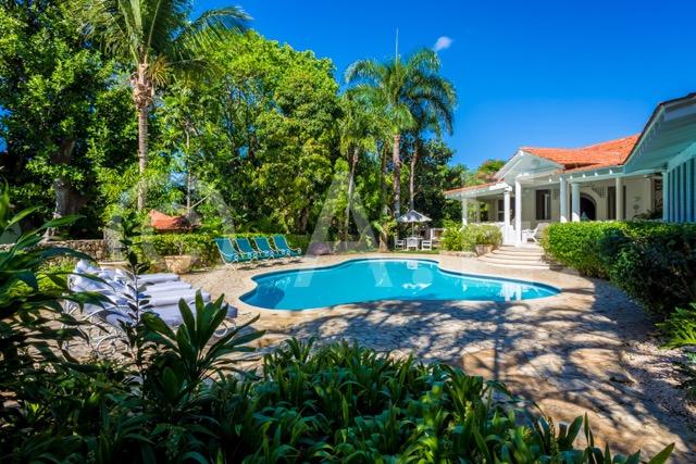 Casa de campo cacique 026 villa real estate tropical for Casa de jardin mobile home park